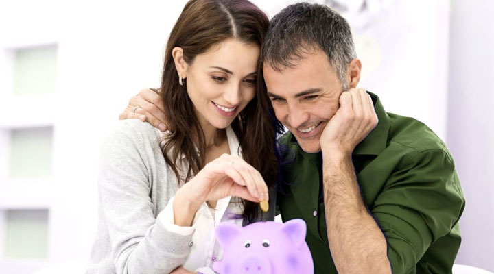 3 Ways a homemaker can give financial backup to the husband