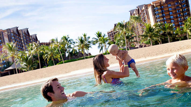 Vacation with family: 5 Reasons to consider a resort