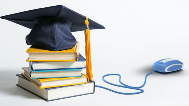 Get a scholarship online: Grab it to ease the financial burden