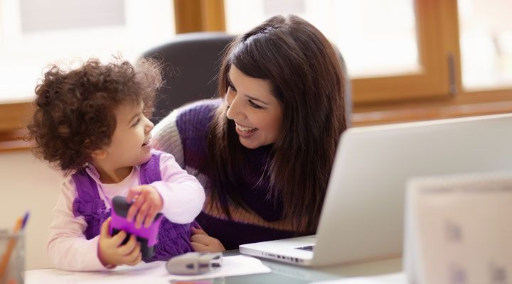 How can single parents manage their finances