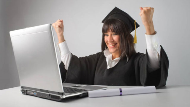 How can you obtain finance degree online